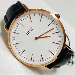 CLUSE Women's Rose Gold Big Face Minimalist Watch